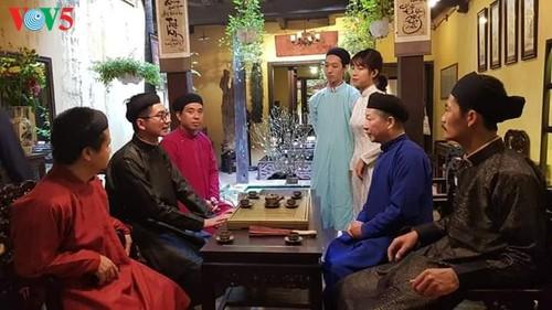 """Мужчины во вьетнамском традиционном платье """"аозай"""" - усиление праздничной атмосферы - ảnh 6"""
