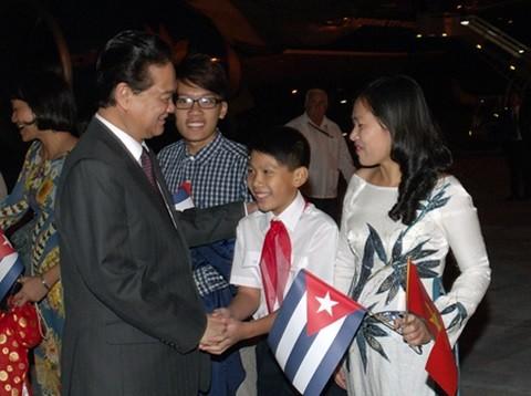 Thủ tướng Nguyễn Tấn Dũng bắt đầu các hoạt động thăm chính thức Cuba - ảnh 2