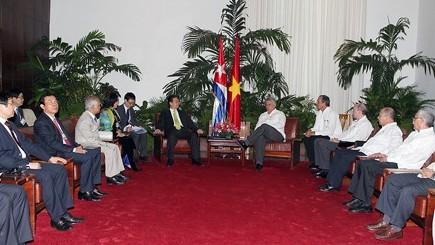 Thủ tướng Nguyễn Tấn Dũng bắt đầu các hoạt động thăm chính thức Cuba - ảnh 3