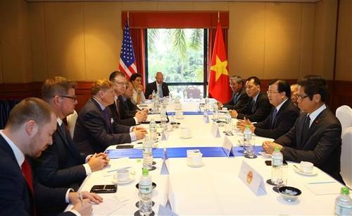 Phó Thủ tướng Trịnh Đình Dũng tiếp đại diện một số doanh nghiệp lớn của Hoa Kỳ đang đầu tư tại Việt Nam - ảnh 1