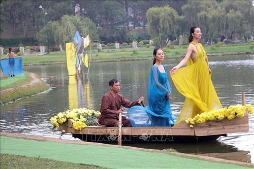 Trình diễn thời trang tơ lụa Bảo Lộc và thổ cẩm Lâm Đồng - ảnh 1