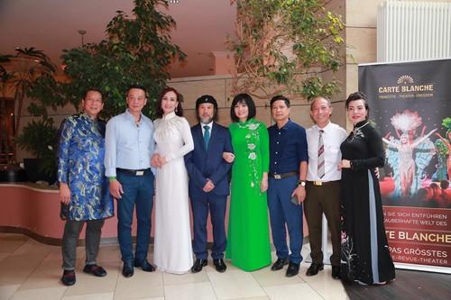 Cuộc thi Áo dài phu nhân – Nơi hội tụ nét đẹp của những người phụ nữ Việt trên khắp Châu Âu - ảnh 9