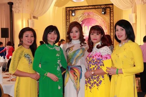 Cuộc thi Áo dài phu nhân – Nơi hội tụ nét đẹp của những người phụ nữ Việt trên khắp Châu Âu - ảnh 12