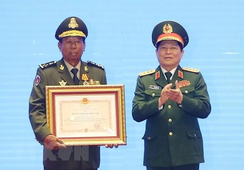 Trao Huân chương của Nhà nước Việt Nam, Nhà nước Lào, Vương quốc Campuchia tặng các tập thể, cá nhân - ảnh 1