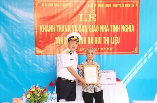 Bộ Tư lệnh vùng 1 Hải quân tri ân các gia đình liệt sĩ - ảnh 1