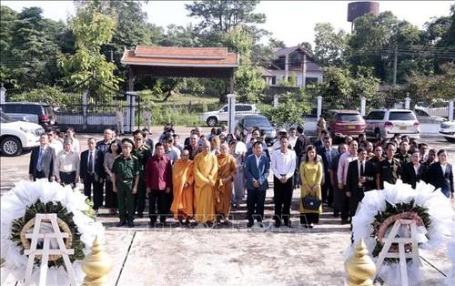 Dâng hương tưởng niệm 73 năm ngày Thương binh liệt sỹ tại Lào - ảnh 1