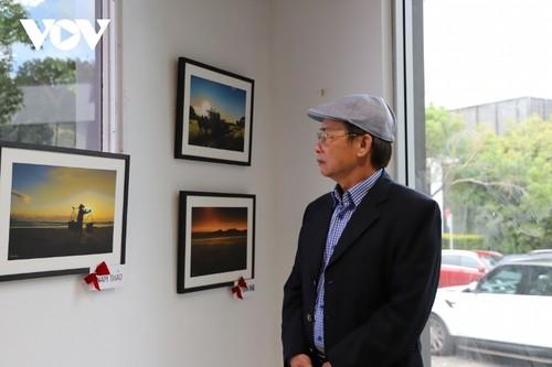 Triển lãm ảnh tại Australia gây quỹ ủng hộ đồng bào miền Trung - ảnh 2