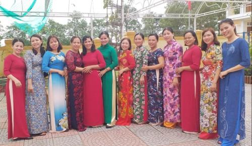 Cộng đồng người Việt ở Ba Lan đến với những ngôi trường ở vùng lũ - ảnh 11