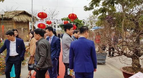 Lễ hội hoa đào Nhật Tân 2021 - ảnh 2