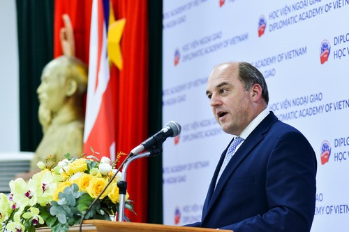 Vương quốc Anh đánh giá cao vai trò ngày càng tăng của Việt Nam ở khu vực và toàn cầu - ảnh 1