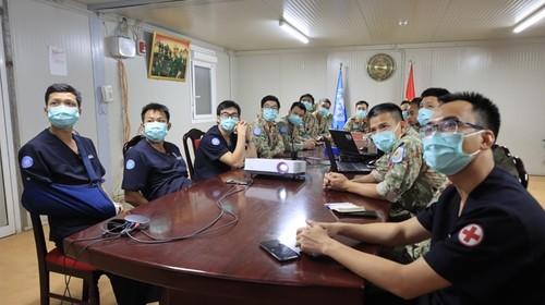 Bệnh viện dã chiến Việt Nam và Ấn Độ tập huấn chuyên môn trực tuyến - ảnh 1