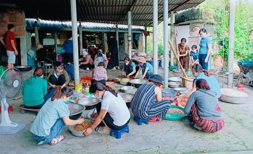 Tình nghĩa đồng bào hỗ trợ người dân vùng dịch khắc phục khó khăn - ảnh 1