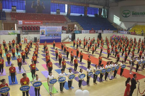National Yoga Festival involves 2,000 practitioners - ảnh 1