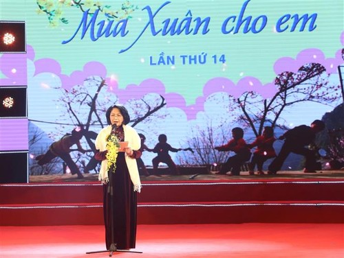 Vice President calls for best possible care for children as Lunar New Year nears - ảnh 1