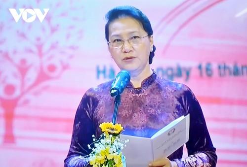NA Chairwoman calls the public to spread love for disadvantaged compatriots - ảnh 1