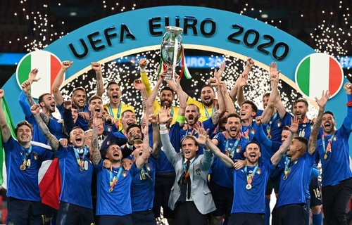 Italy win Euro 2020 after beating England on penalties  - ảnh 1