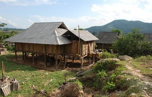 莱州省克姆族人的文化美 - ảnh 1