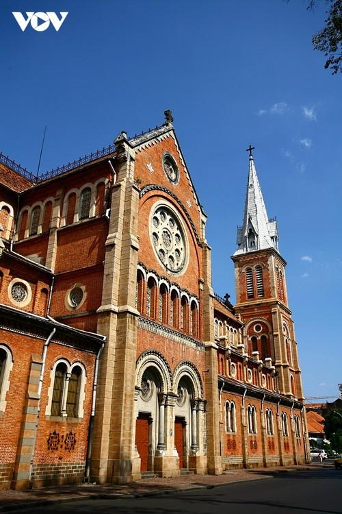 Chiêm ngưỡng tuyệt tác Nhà thờ Đức Bà Sài Gòn - ảnh 3