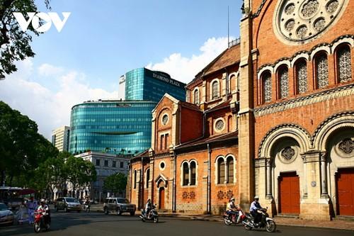 Chiêm ngưỡng tuyệt tác Nhà thờ Đức Bà Sài Gòn - ảnh 5