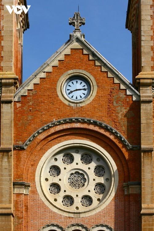 Chiêm ngưỡng tuyệt tác Nhà thờ Đức Bà Sài Gòn - ảnh 7
