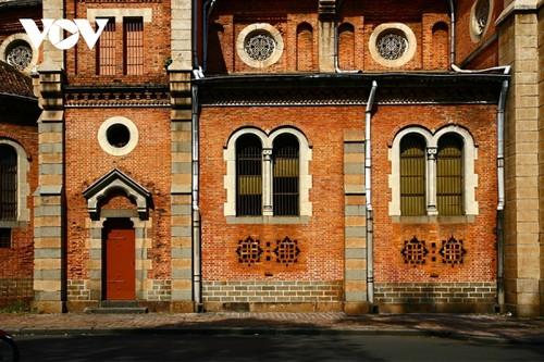 Chiêm ngưỡng tuyệt tác Nhà thờ Đức Bà Sài Gòn - ảnh 10