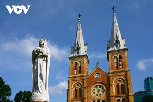 Chiêm ngưỡng tuyệt tác Nhà thờ Đức Bà Sài Gòn - ảnh 12