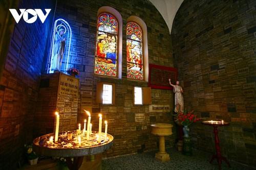 Chiêm ngưỡng tuyệt tác Nhà thờ Đức Bà Sài Gòn - ảnh 16