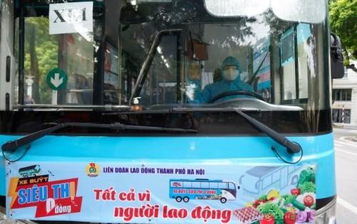 """""""Xe buýt siêu thị 0 đồng"""" kịp thời hỗ trợ người lao động Hà Nội ảnh hưởng do dịch COVID-19 - ảnh 12"""