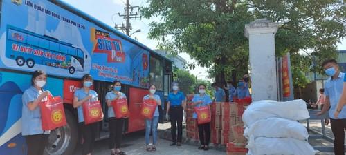 """""""Xe buýt siêu thị 0 đồng"""" kịp thời hỗ trợ người lao động Hà Nội ảnh hưởng do dịch COVID-19 - ảnh 6"""