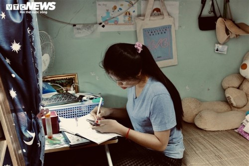 How do foreign students survive fresh COVID-19 outbreak in Vietnam? - ảnh 2