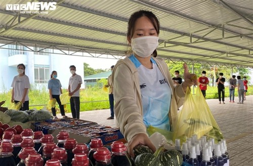 How do foreign students survive fresh COVID-19 outbreak in Vietnam? - ảnh 6