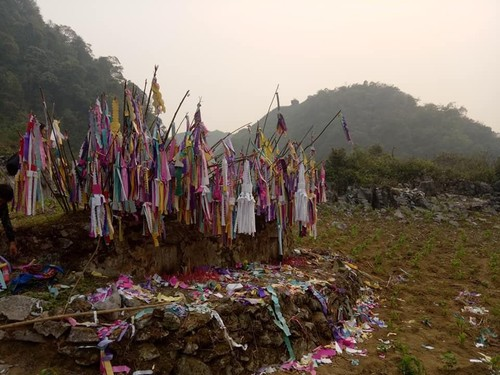 Grave visiting tradition of Dao ethnic people  - ảnh 1