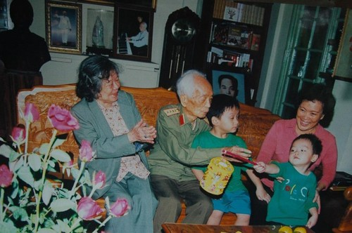 General Vo Nguyen Giap through the lenses of his exclusive photographer  - ảnh 3