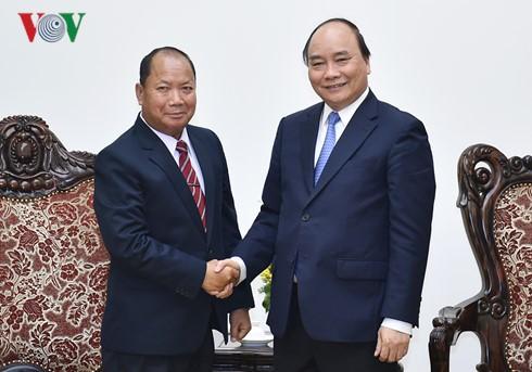 Thủ tướng Nguyễn Xuân Phúc tiếp Bộ trưởng An ninh Lào - ảnh 1