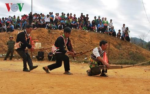 Tiếng Khèn - Nét đẹp văn hóa của người Mông - ảnh 1