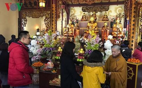 Hình ảnh Việt Nam qua Tết cổ truyền dân tộc - ảnh 1