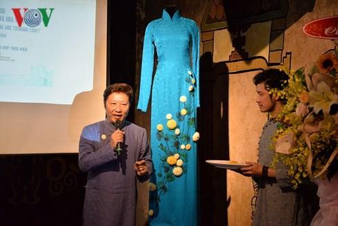 """Giao lưu nghệ thuật Việt - Nhật """"Áo dài và hoa vải Tsumami"""" - ảnh 1"""