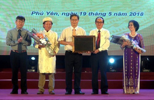 Phú Yên đón Bằng UNESCO công nhận bài chòi là Di sản văn hóa phi vật thể đại diện nhân loại - ảnh 1
