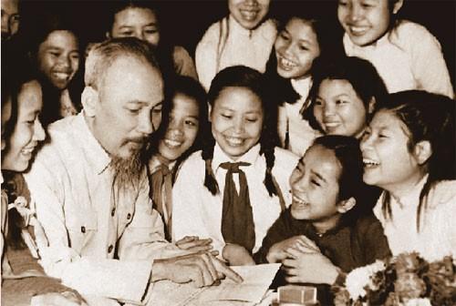 Các hoạt động kỷ niệm lần thứ 128 ngày sinh Chủ tịch Hồ Chí Minh  - ảnh 1