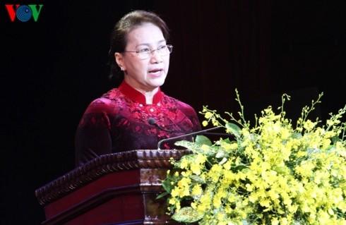"""Chủ tịch Quốc hội dự Lễ trao Giải báo chí  """"Búa liềm vàng"""" lần thứ ba - ảnh 1"""