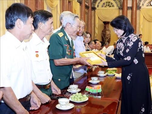 Phó Chủ tịch nước Đặng Thị Ngọc Thịnh tiếp Đoàn đại biểu người có công tỉnh Đồng Nai - ảnh 1