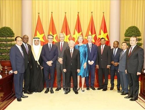Tổng Bí thư, Chủ tịch nước Nguyễn Phú Trọng tiếp các Đại sứ trình Quốc thư - ảnh 1