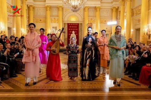 Quảng bá thời trang Việt Nam tại Liên bang Nga - ảnh 2