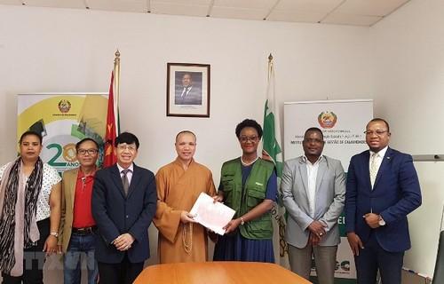 Giáo hội Phật giáo Việt Nam trao tặng người dân Mozambique 100 tấn gạo - ảnh 1