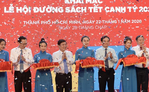 Khai mạc Lễ hội Đường sách Thành phố Hồ Chí Minh Tết Canh Tý 2020 - ảnh 1