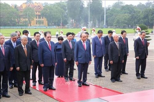 Lãnh đạo Đảng, Nhà nước viếng Lăng Chủ tịch Hồ Chí Minh - ảnh 1