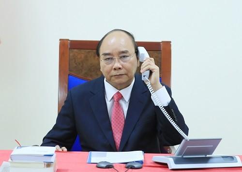 Thủ tướng Nguyễn Xuân Phúc điện đàm với Thủ tướng Singapore Lý Hiển Long - ảnh 1