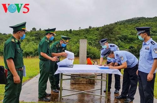 Hội đàm thực địa giữa Đồn Biên phòng A Pa Chải, Việt Nam và Đại đội quản lý biên giới Giang Thành, Trung Quốc - ảnh 1