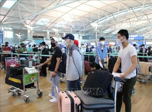 Đưa hơn 405 công dân Việt Nam từ Hàn Quốc về nước an toàn - ảnh 1