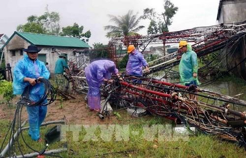 Bão Molave gây thiệt hại về người và tài sản, các địa phương tiếp tục công tác phòng, chống mưa lũ - ảnh 1
